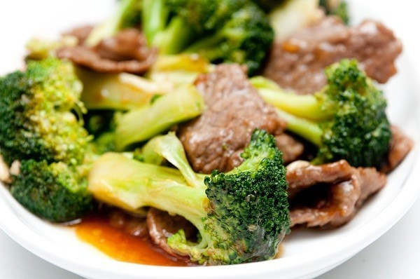 Stir fry beef with asian greens