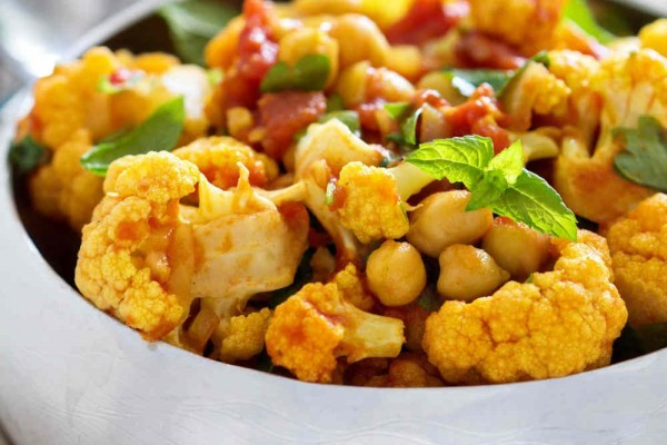 Vegetarian Cauliflower & Chickpea Curry