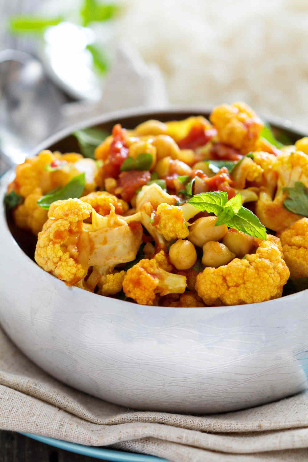 Bodytrim-Vegetarian-Cauliflower-Chickpea-Curry-Weight-loss-Recipe-Image
